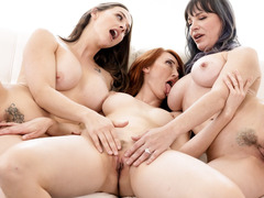 Fucking Hot Step Mom, Lesbian, Lesbian Step Mom and Daughter, stepmom, Next Door Amateur, Perfect Body
